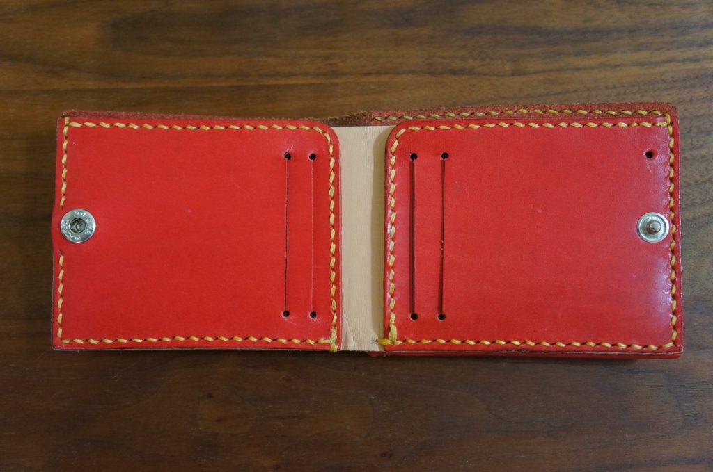 赤色レザーウォレット 紙幣・カード入れ